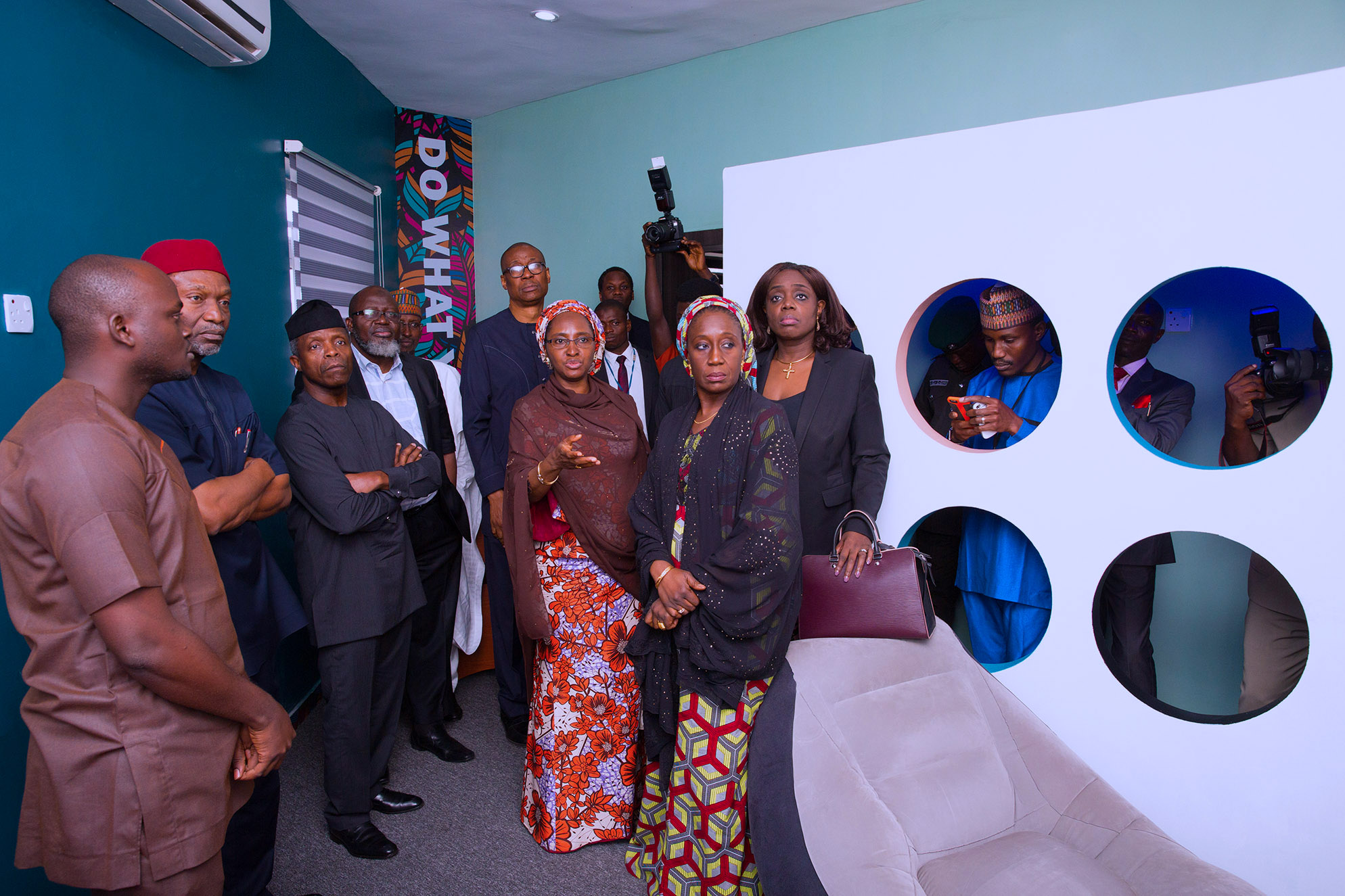 AG PRESIDENT OSINBAJO VISIT TO CIVIC INNOVATIVE LAB 1A&B. Acting President Yemi Osinbajo flanked Mnister of Communication, Adebayo Shittu, Minister of State Minister Industry, Trade and Investment , Aisha Abubakar, Minister of Industry, Trade and Investment, Mr Okechukwu Enelamah, Minister of Budget and National Planning, Senator Udoa Udo Udoma, FCT Minister Alh Muhammad Musa Bello and Minister of Finance, Mrs Kemi Adesoun durng a visit to the Civi Innovation Lab Centre in Abuja. PHOTO; SUNDAY AGHAEZE. june 28 2017.