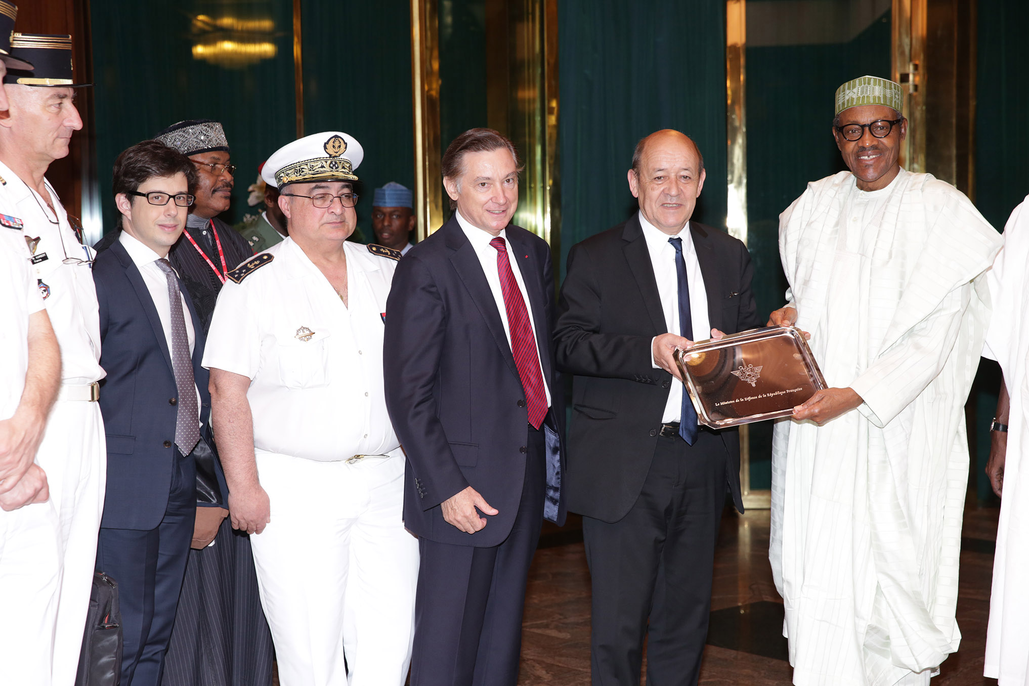 PRESIDENT BUHARI RECEIVES FRENCH DEFENCE CHIEF 6 President Muhammadu Buhari received a presentation from the Minister of Defence of the French Republic, H.E Jean-Yves LE Drian accompanied by his delegation at the Stat House in Abuja. PHOTO; SUNDAY AGHAEZE. APRIL 28 2016