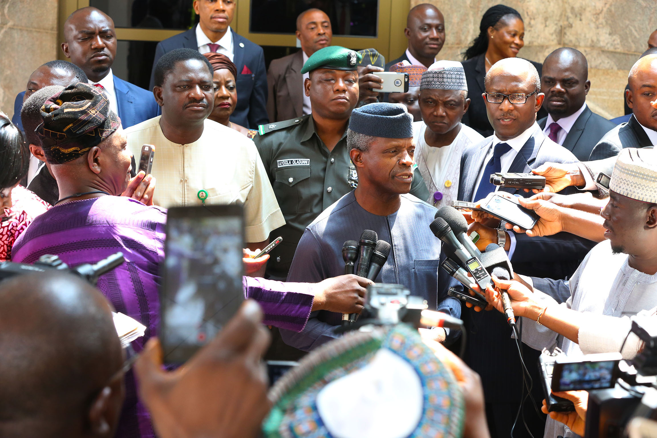 AG PRESIDENT OSINBAJO PRESIDES OVER FEC 0A&B. Acting President Yemi Osinbajo brief State House Press on his visit to the President Muhammadu Buhari in London before the Federal Executive Council Meeting at the State House in Abuja. PHOTO; SUNDAY AGHAEZE/STATE HOUSE. JULY 12 2017