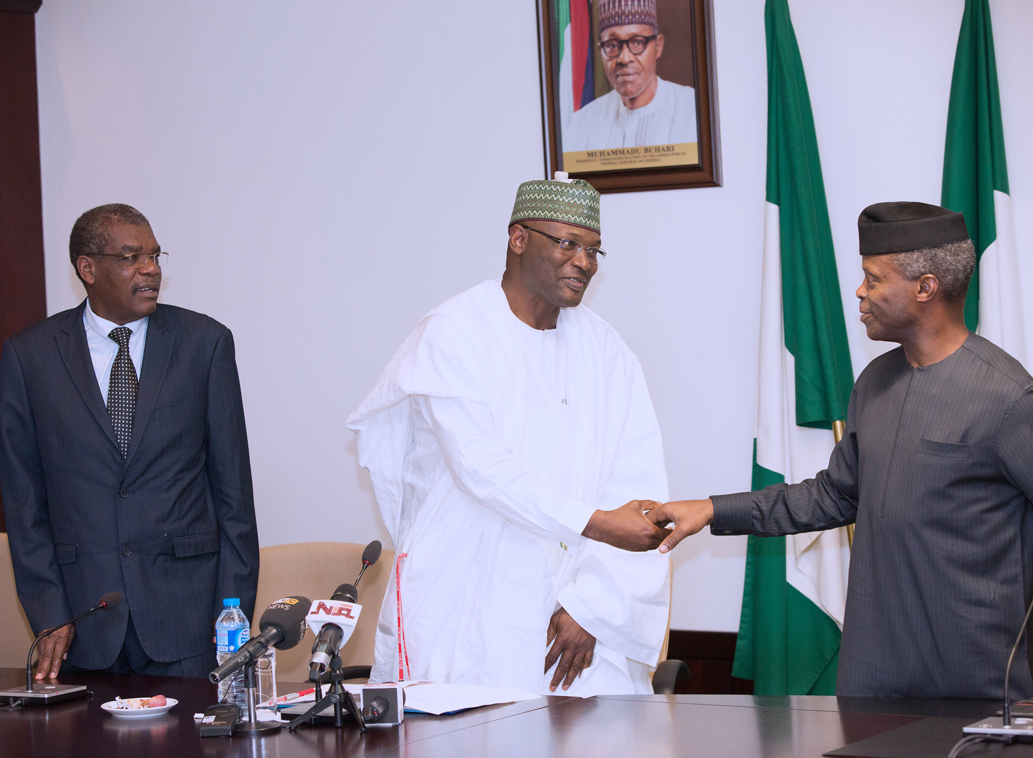 AG PRESIDENT OSINBAJO RECEIVES ECONEC 1A&B. R-L; Acting President Yemi Osinbajo, Chairman INEC Nigeria Professor Mahmood Yakubu and Chairman of the Electoral Commission of Benin Republic during a courtesy visit of ECOWAS NETWORK OF ELECTORAL COMMISSION (ECONEC) at the State House in Abuja. PHOTO; SUNDAY AGHAEZE/STATE HOUSE. JULY 7 2017