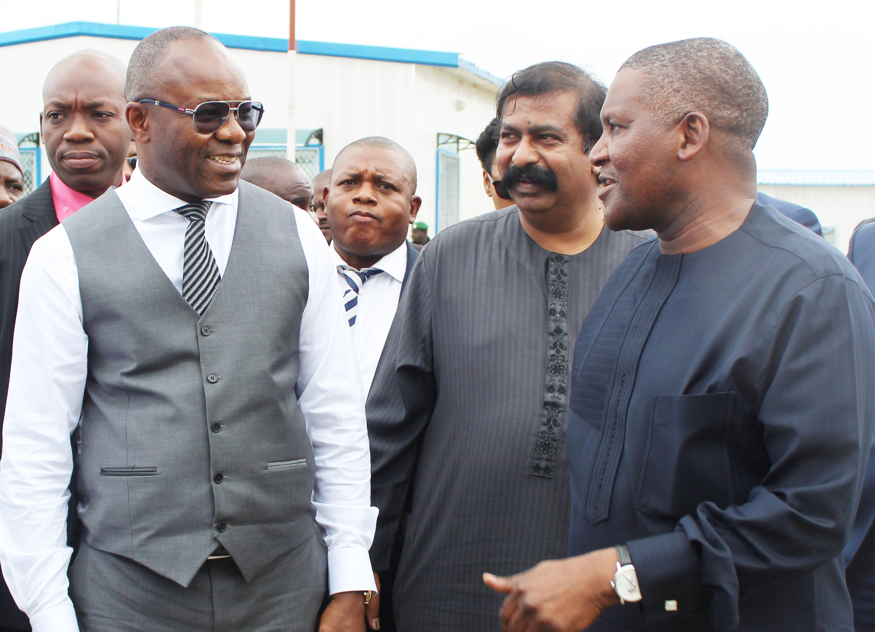 Complete Refinery Before 2019, FG Begs Dangote