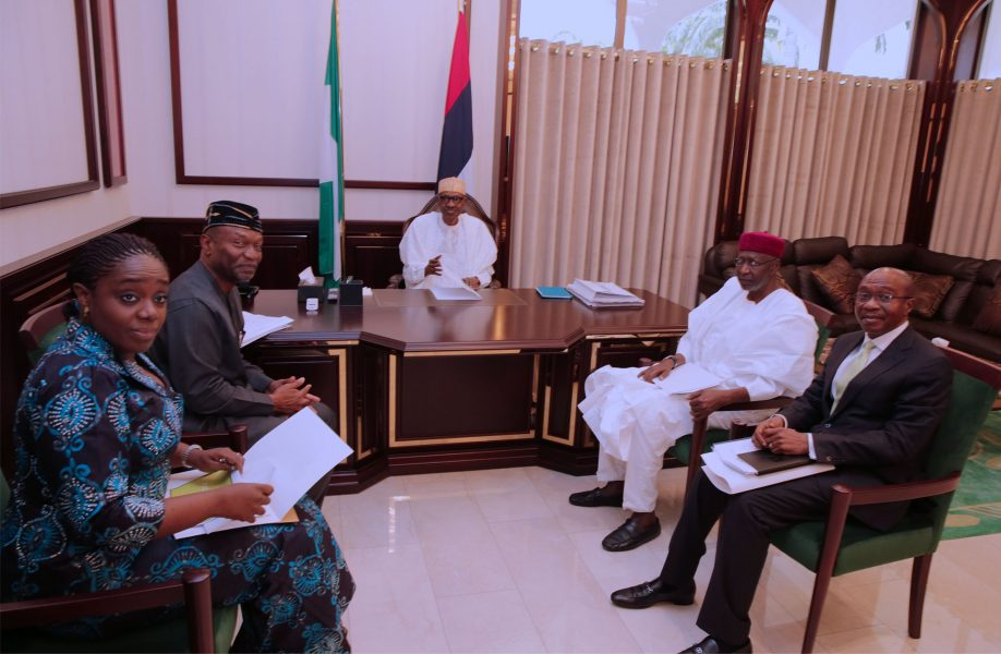 PRESIDENT BUHARI RECEIVES FIN, BUDGET AND CBN GOV 1A&B. President Muhammadu Buhari in Meeting with Chief of staff, Mallam Abba Kyari, Minister or Finance, Kemi Adeosun, Minister of Budget and National Planning, Senator Udoma Udo Udoma and Central Bank Governor, Mr Godwin Emefiele at the State House in Abuja. PHOTO; SUNDAY AGHAEZE/STATE HOUSE IN ABUJA. AUGUST 28 2017