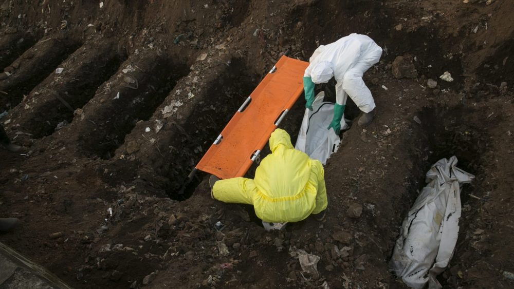Crooks Dig Up Sierra Leone's 'Ebola Cemetery'