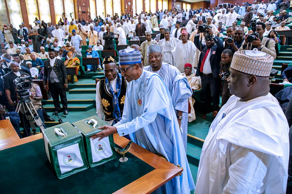 2018 Budget: Presidency explains why Buhari is yet to assent signature