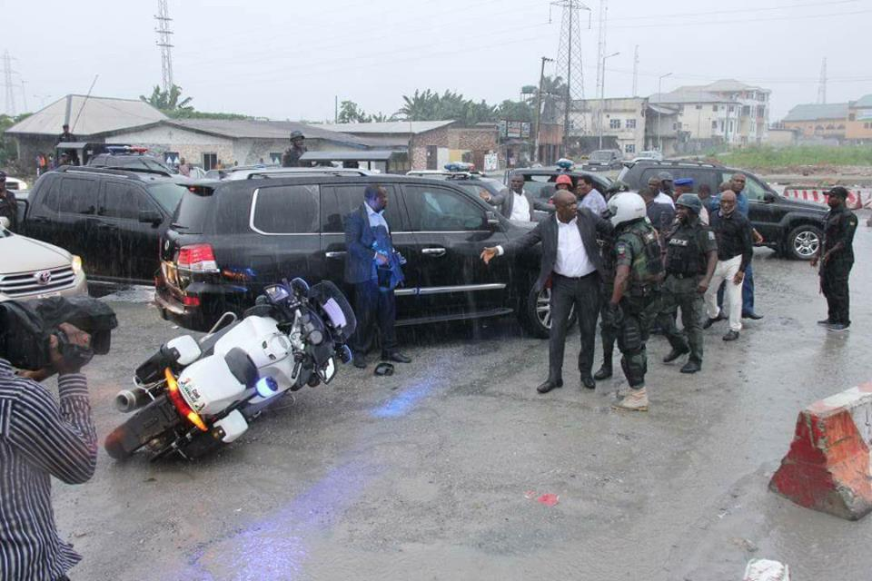 Ameachi, Wike convoy attack each other in vicious brawl captured by camera