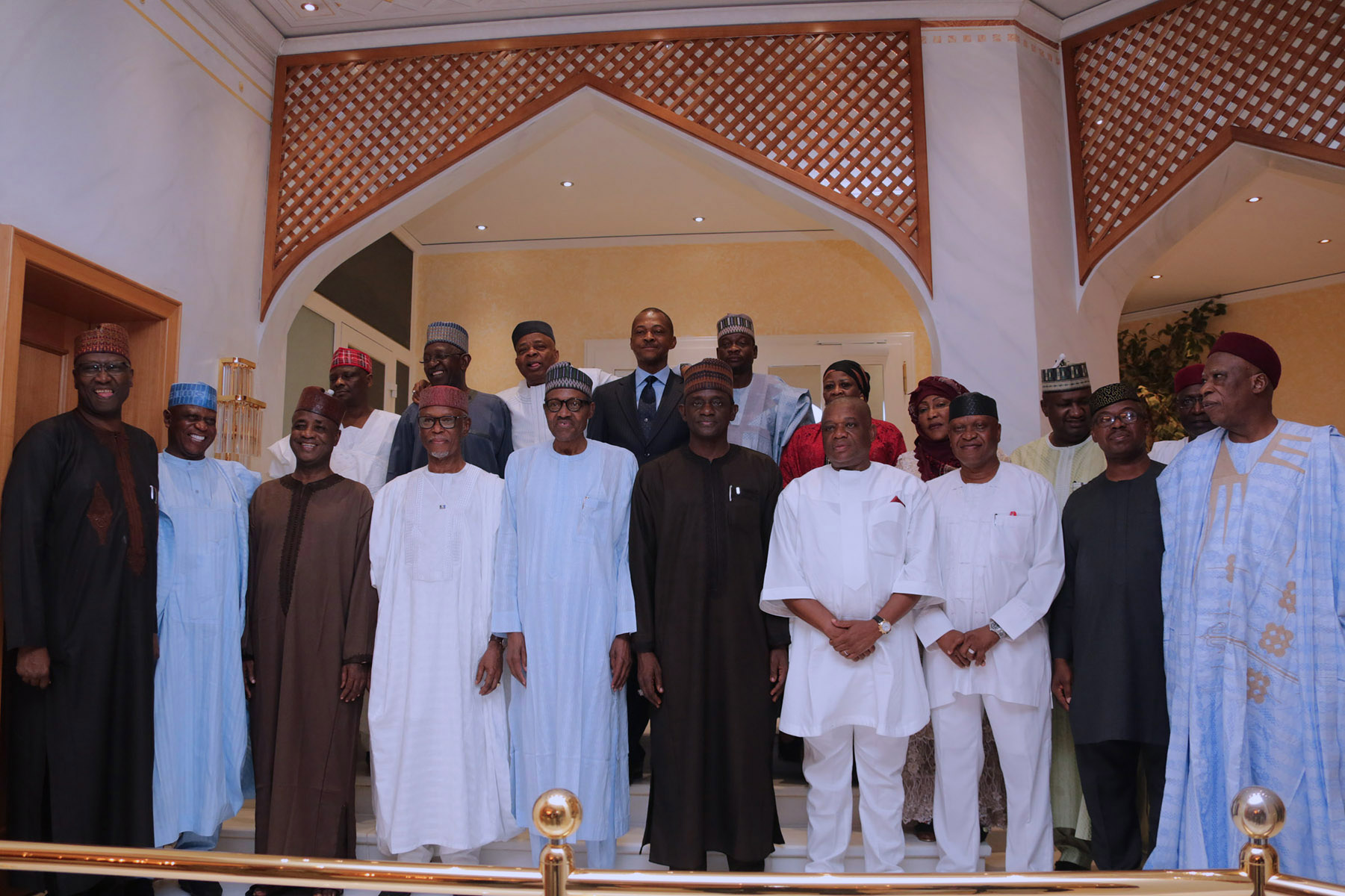 Osinbajo, Akande,Tinubu absent as Buhari host APC chieftains to a dinner at the Villa