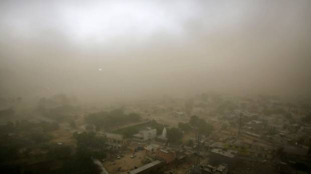 Dust storm kill at least 40 people
