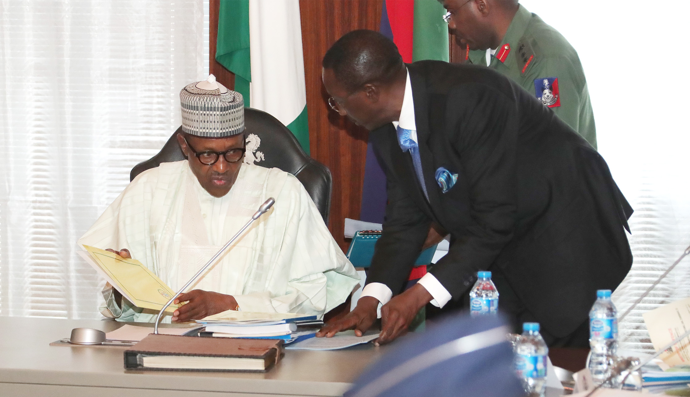 The Day in Pictures: Buhari in closed door meeting with security chiefs