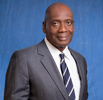 Diamond bank picks Bickersteth to replace retiring Ogbechie as chairman