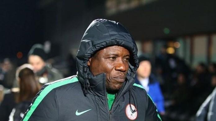 Super Eagles coach Salisu Yusuf caught on video taking bribe