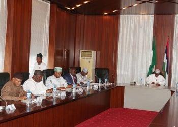 PRESIDENT BUHARI MEETS SOME GOVS 2. R-L; President Muhammadu Buhari, Zamfara State Governor, Abdulaziz Yari, Lagos State Governor, Mr. Akinwunmi Ambode, Kebbi State Governor, Senator Atiku Abubakar Bagudu, Enugu State Governor, Chief Ifeanyi Ugwuanyi and Deputy Governor of Anambra State, Dr Nkem Okeke in a meeting at the State House in Abuja. PHOTO; SUNDAY AGHAEZE. NOV 19 2018.