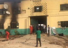 Gunmen ravage Owerri prisons, state police headquarters,