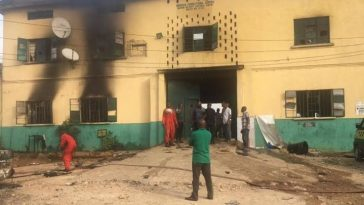 Gunmen ravage Owerri prisons, state police headquarters,