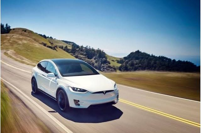 Nigerian Fuel Attendants Fail To Locate Fuel Tank of a Tesla Car